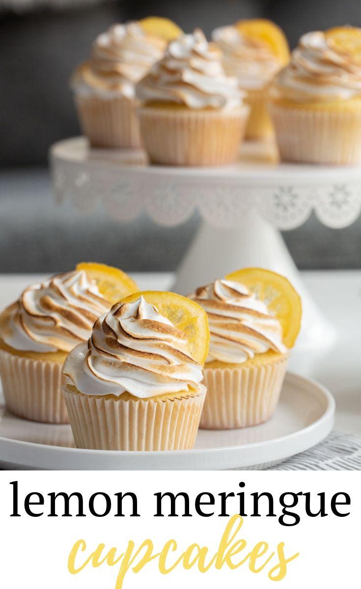 Lemon Meringue Cupcakes with Candied Lemon #lemonmeringuecupcakes
