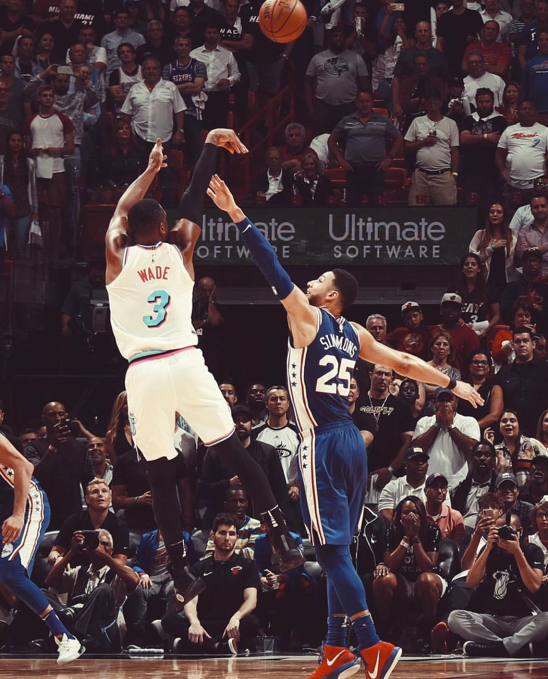 2c9213639e897 Dwayne Wade hitting the game winner | Basketball Legends ...