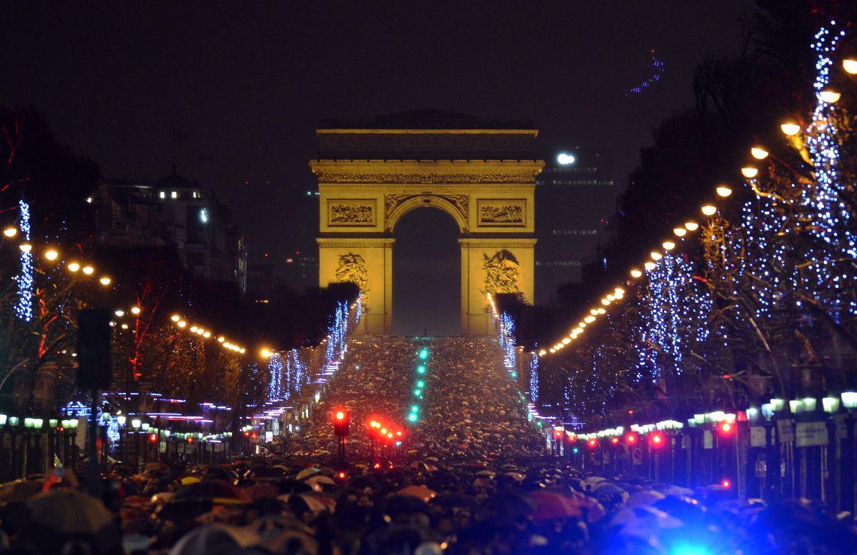 Нова Година 2016 в Париж, 5 нощувки само от 768 лева