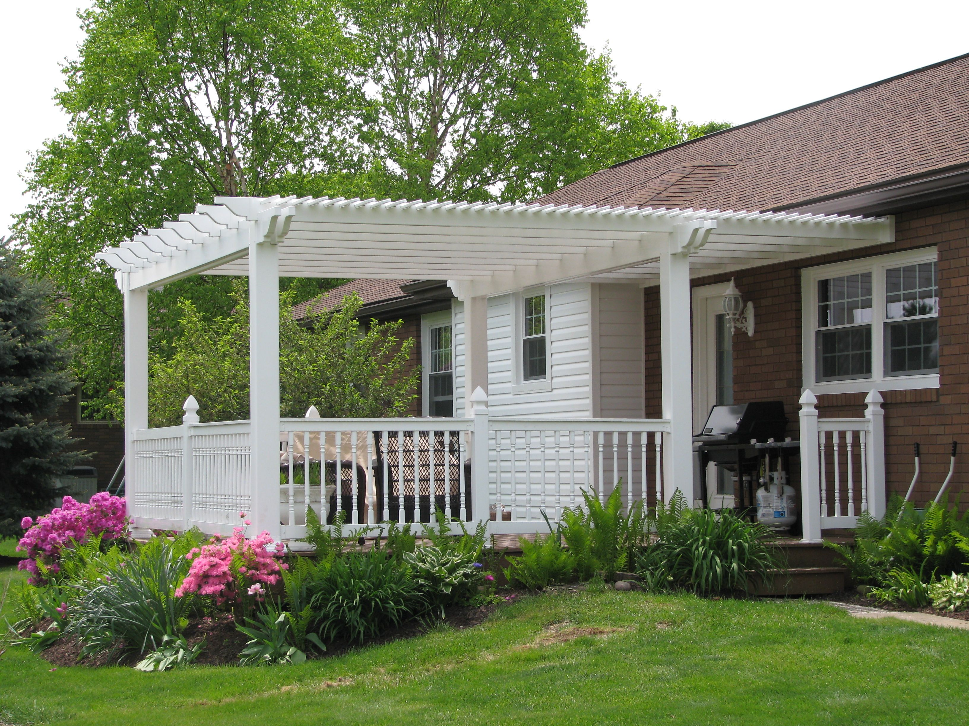 Quality Built Vinyl Pergolas Mount Hope Fence In Ohio Pergola Vinyl Pergola Pergola Patio