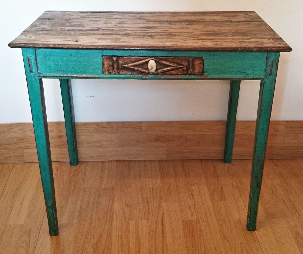 Antigua Mesa Tocinera En Verde Esmeralda/Little Old Table In Emerald Green  | Bohemian And