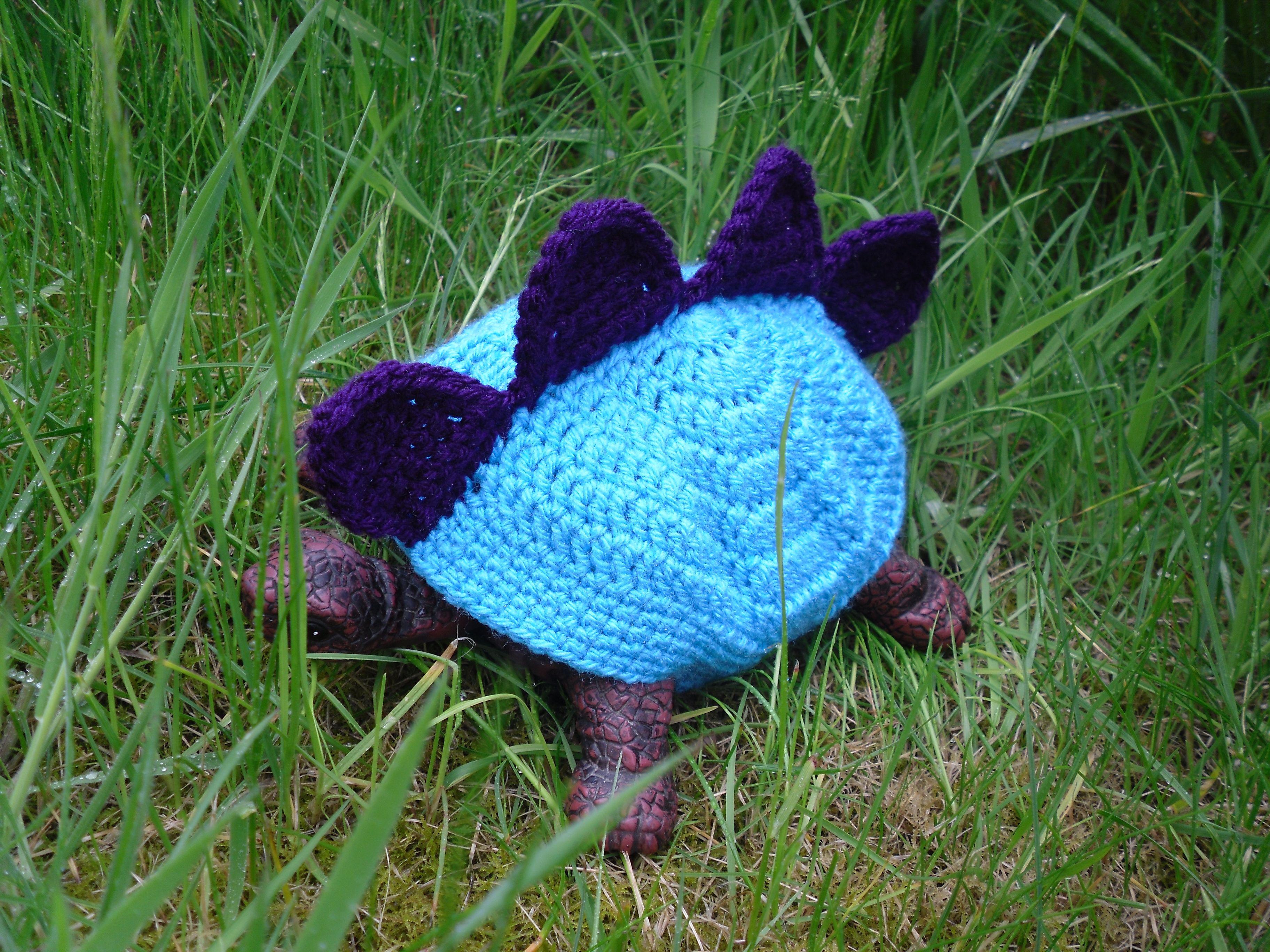 Amigurumi Tortoise Tutorial : Crochet tortoise shell cover feeling crafty