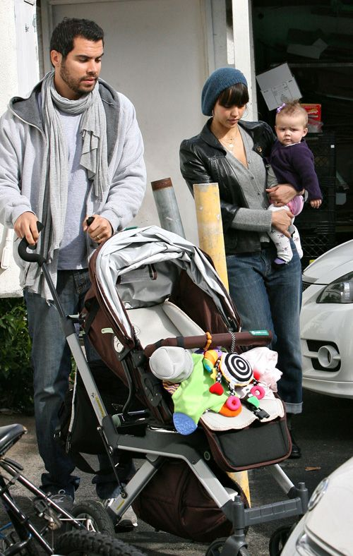 Jessica Alba sports her Whoozit™. We kind of love seeing celebs with our favorite products :)