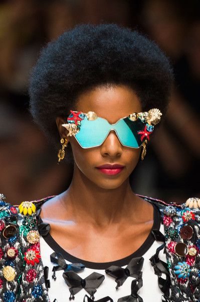 Dolce   Gabbana Spring 2017 Runway Pictures  eb971f7c72238