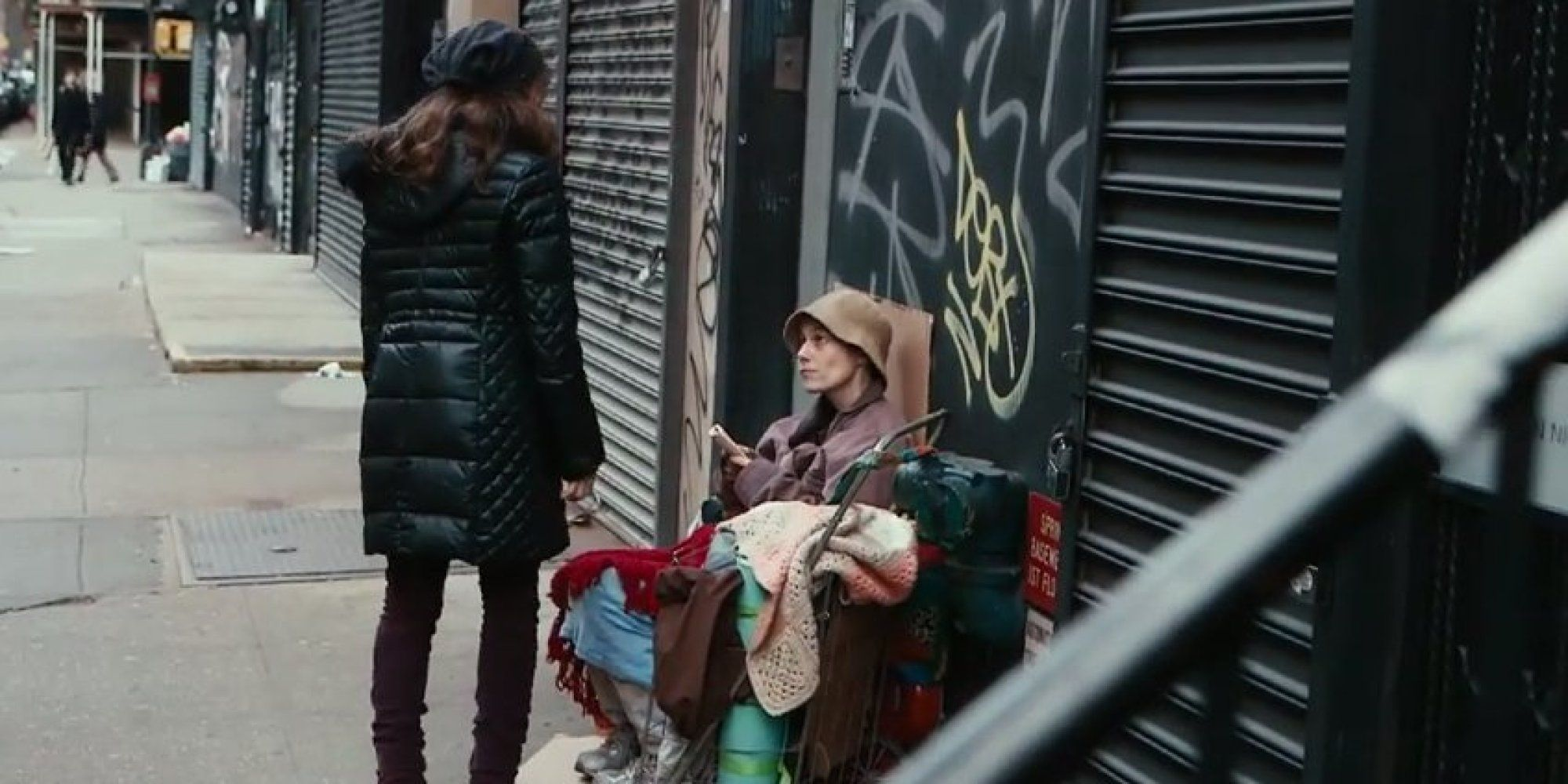 People Disguised As Homeless Ignored By Loved Ones On Street In Stunning Social Experiment Social Experiment Homeless Homeless Person