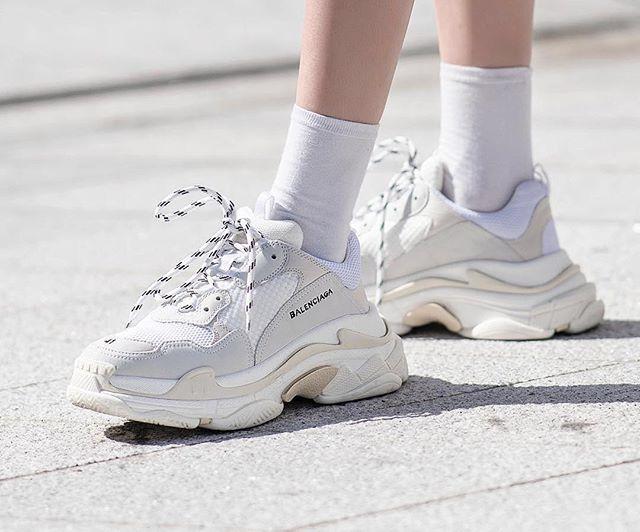Urban Fashion Mens Nike Trainer 1.2 Mid Training Shoes In