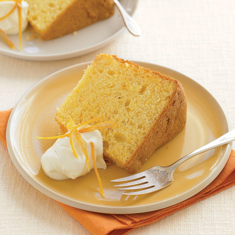 Orange Chiffon Cake with Buttermilk Ice Cream foto