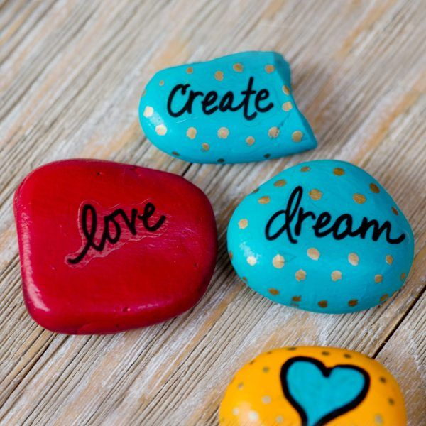 20+ Easy Rock Painting Ideas for Beginners | Dollar Store ...