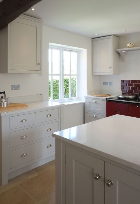 L h shaker kitchen painted in farrow ball ammonite for Hardwick white kitchen cabinets