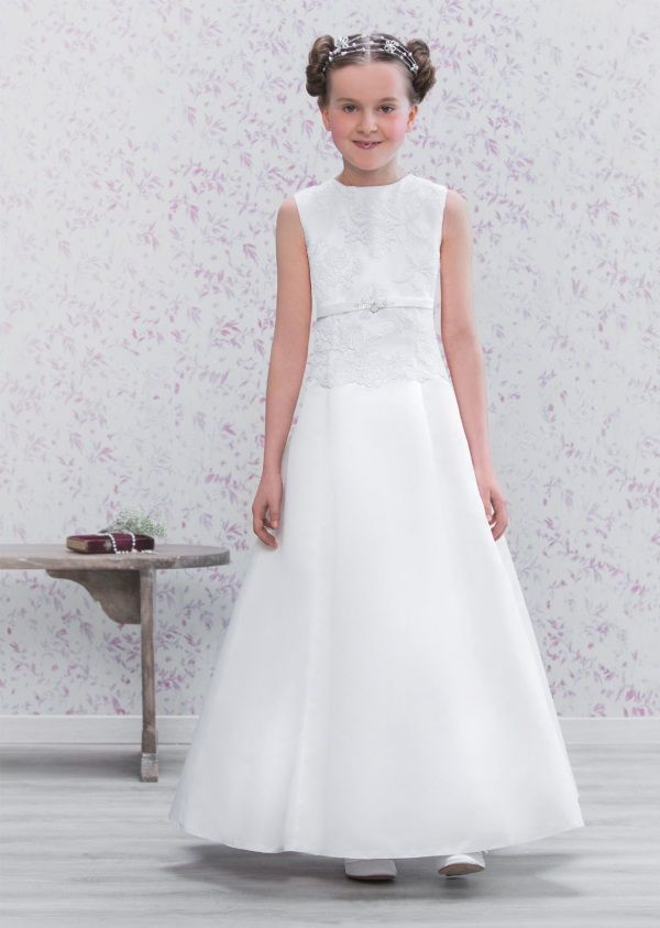 Awesome Designer first communion dresses 2016-2017 Check more at http://24myfashion.com/2016/designer-first-communion-dresses-2016-2017/