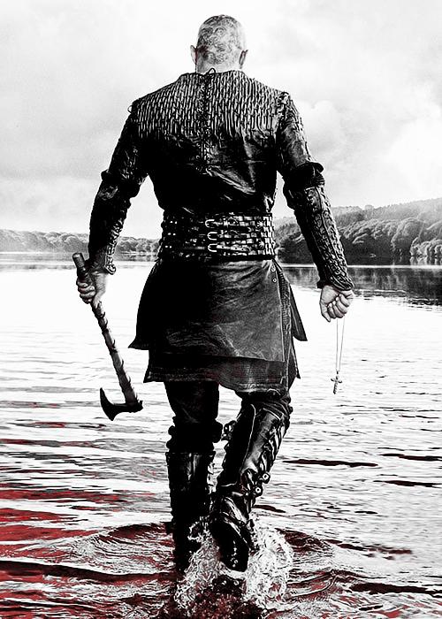 Ragnar Lothbrok (Travis Fimmel) on #Vikings - hot even from behind