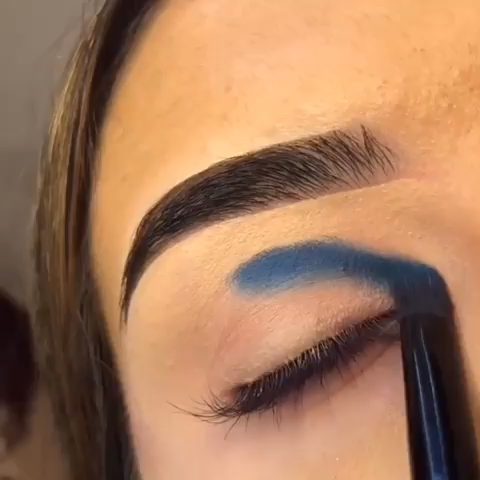 Photo of Blue Eyeshadow | Rainbow Cut Crease