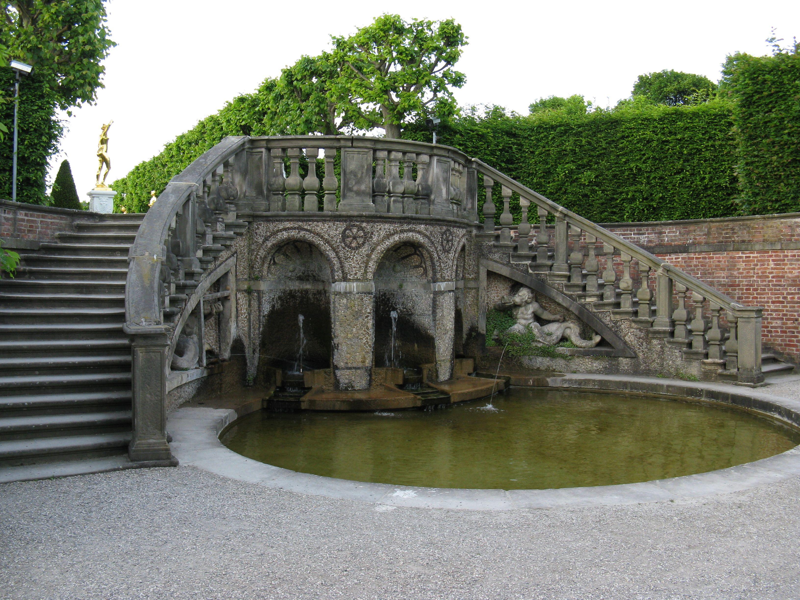 Hannover Herrenhausen Grosser Garten Treppe Zum Theater Jpg 3 264 2 448 Pixels Hannover Grosser Garten Garten