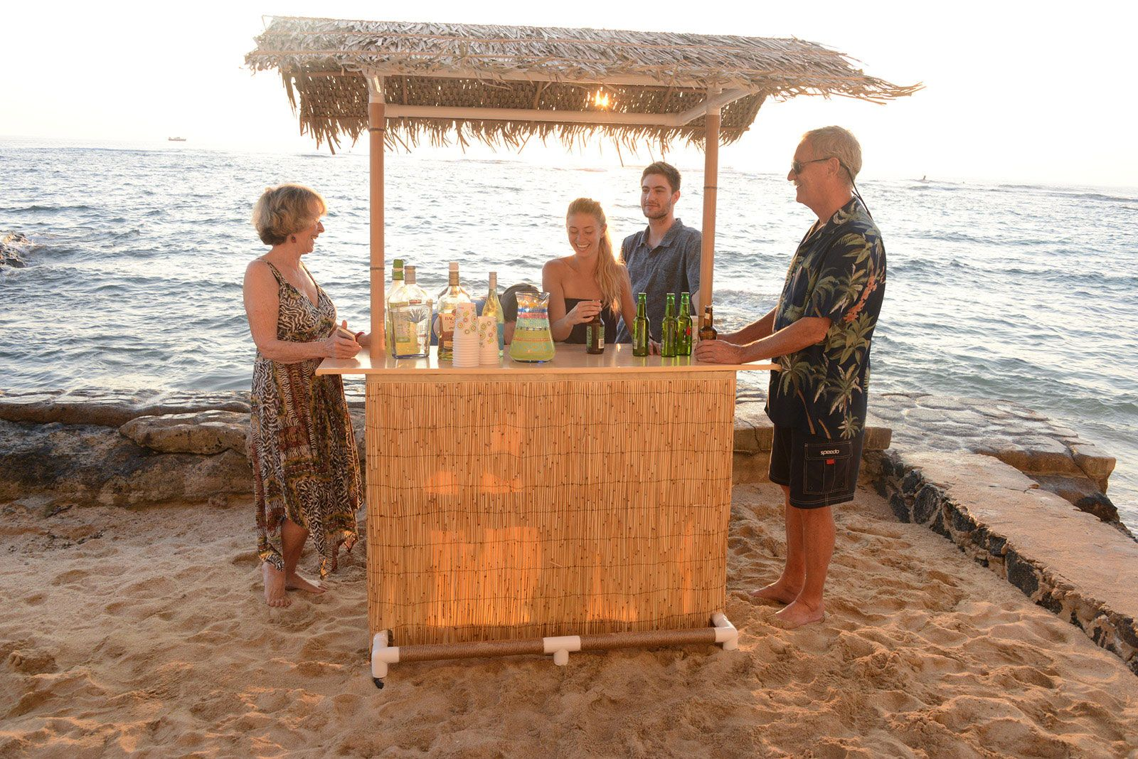 This Portable Tiki Bar Is Easy To Set Up For A Beach Party And Sy Enough Withstand The Breeze