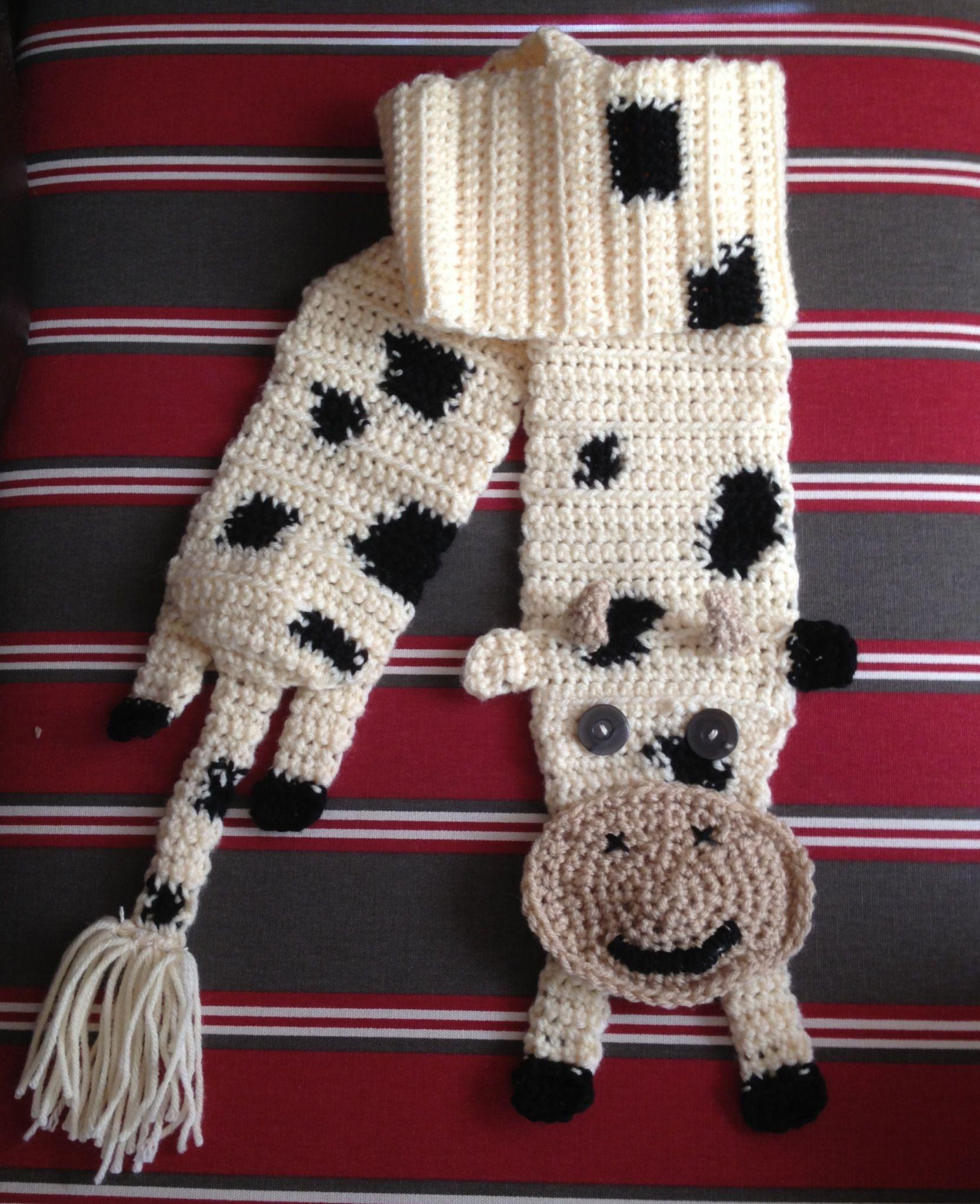 crocheted cow scarf crochetcow crochetscarf cowscarf bebek pinterest stricken und. Black Bedroom Furniture Sets. Home Design Ideas