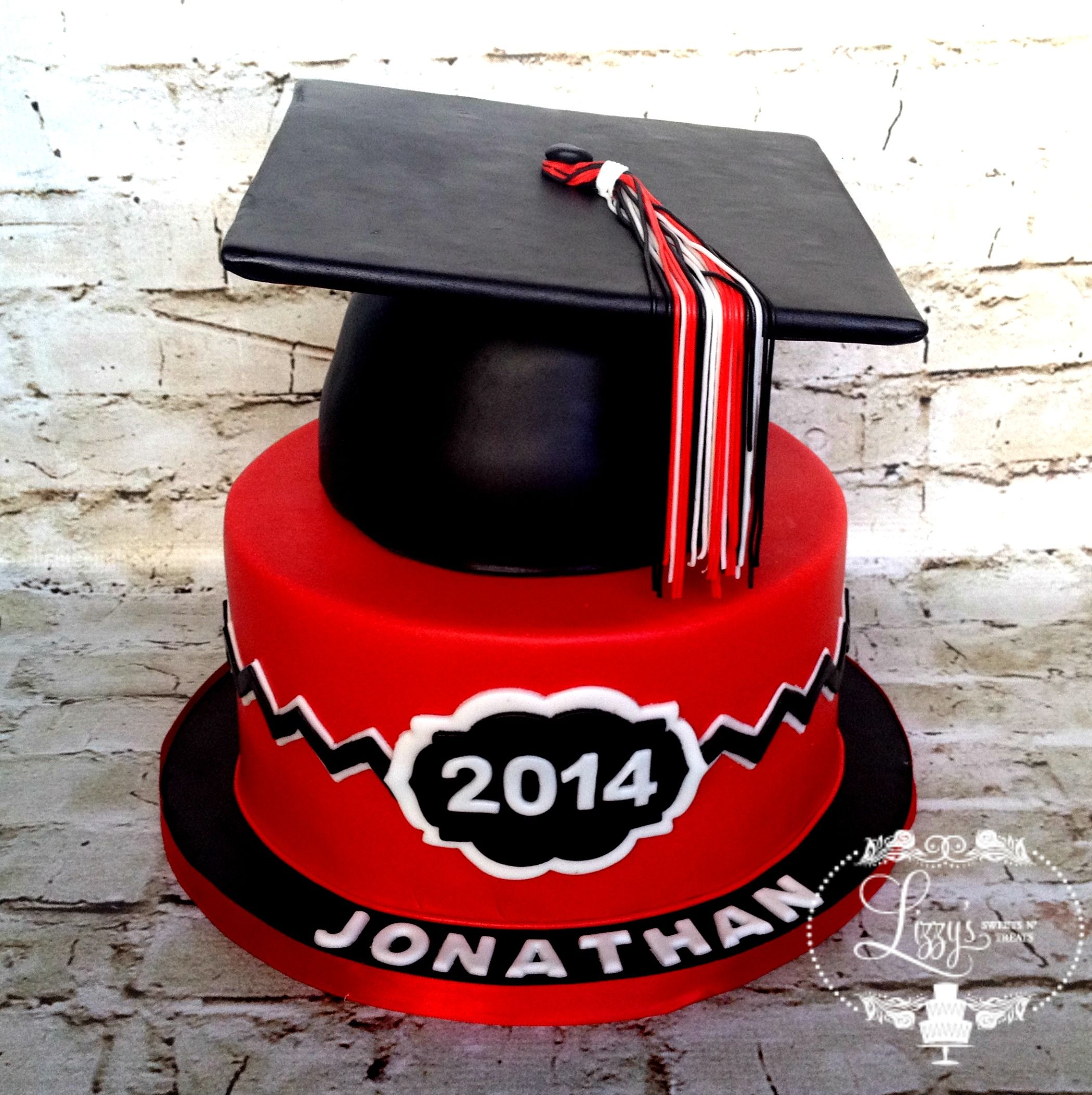 Cakes For Graduations With A Red Cap