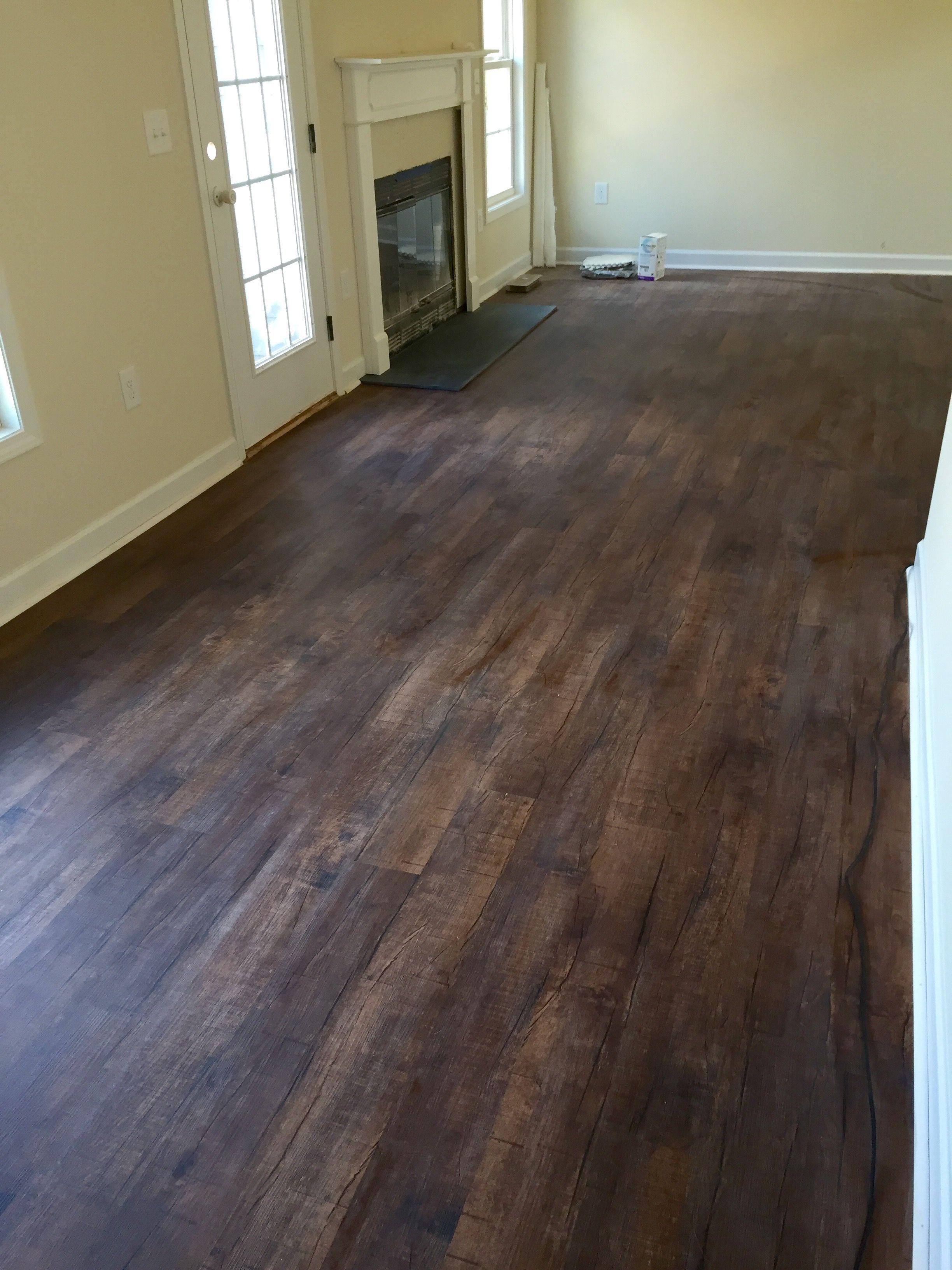 Barnwood Vinyl Flooring Zion Star