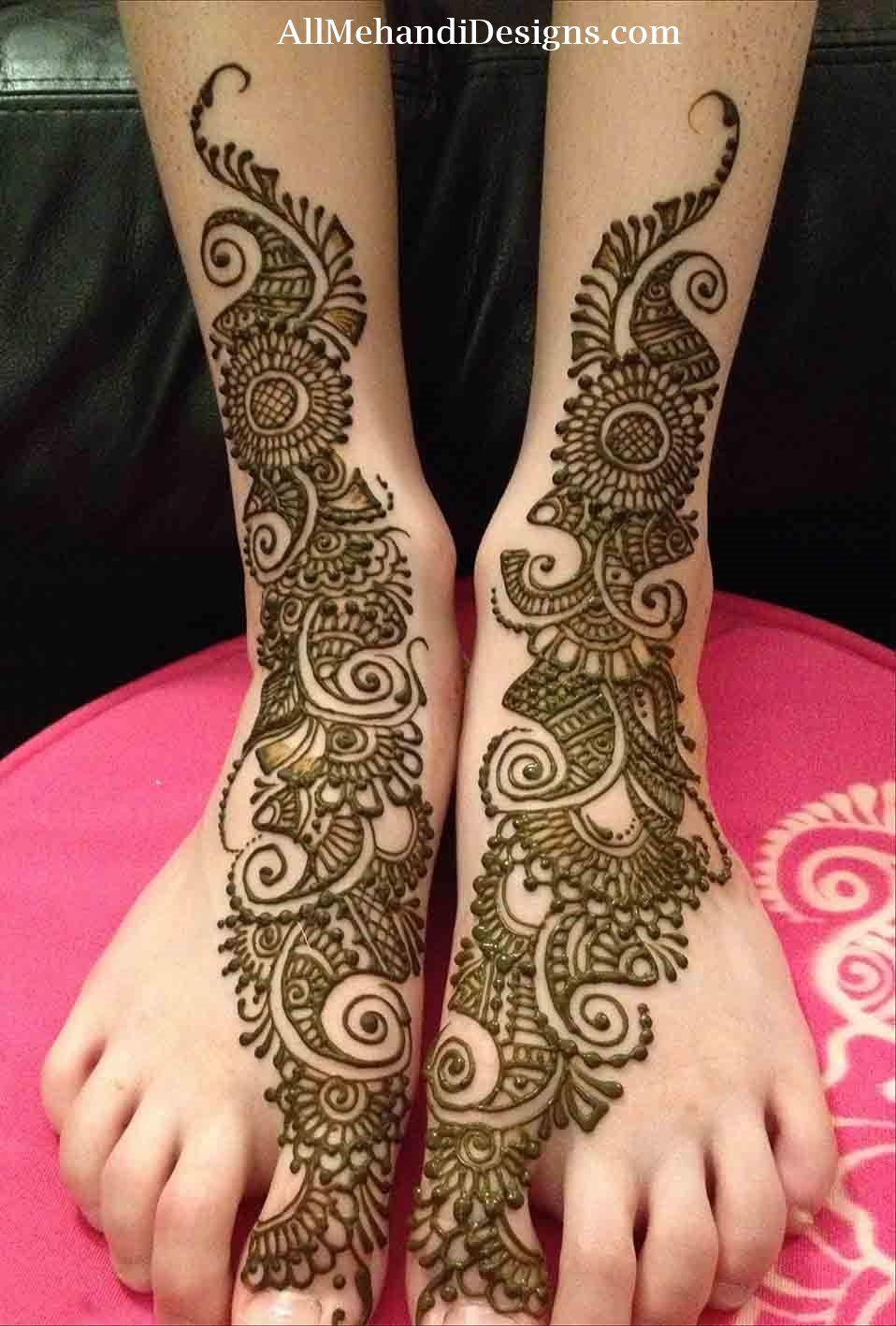 simple leg mehndi designs for bride
