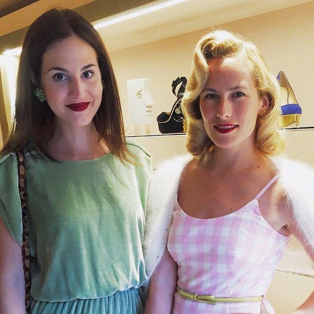 """Love @charlotte_olympia beautiful new store  momento """"unidas pelo batom vermelho"""" com Charlotte Olympia na inauguração da nova loja, tá linda! {meu batom é o Dolce Desire 643 do Dolce & Gabbana!}"""