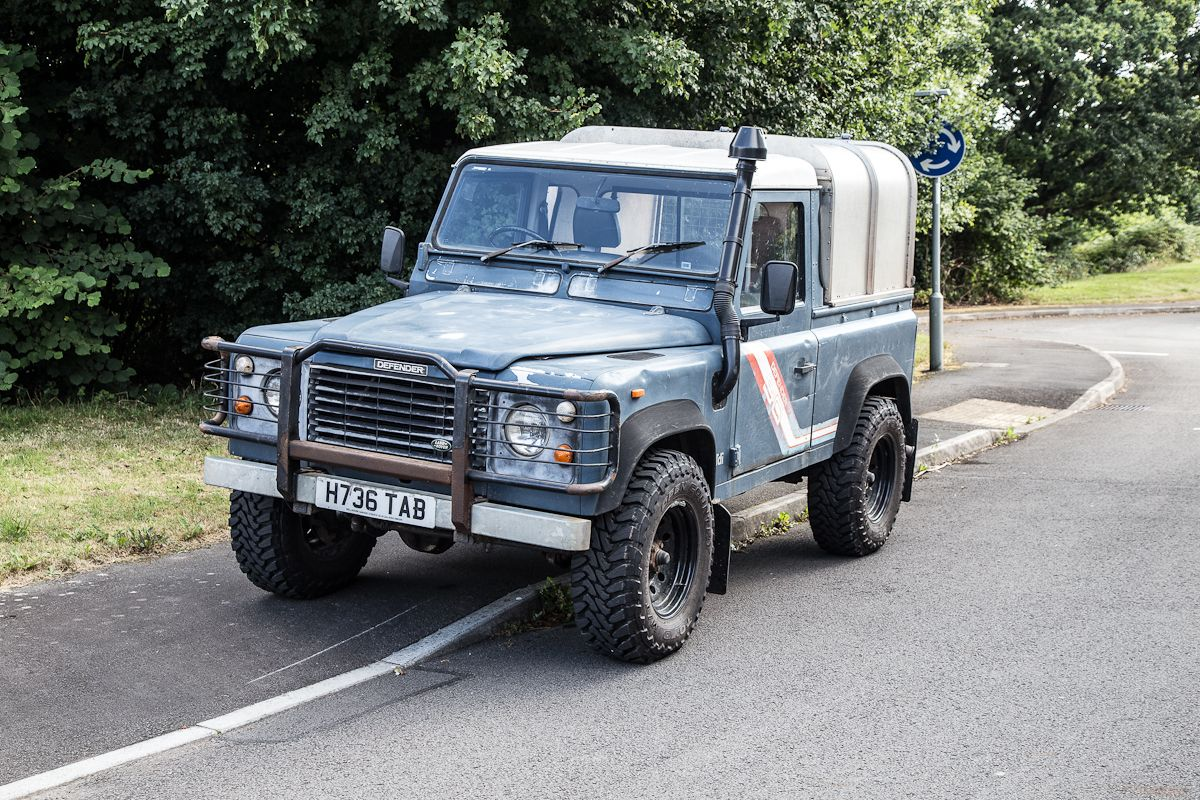 Land Rover Defender and SMITHS Gauges Land rover
