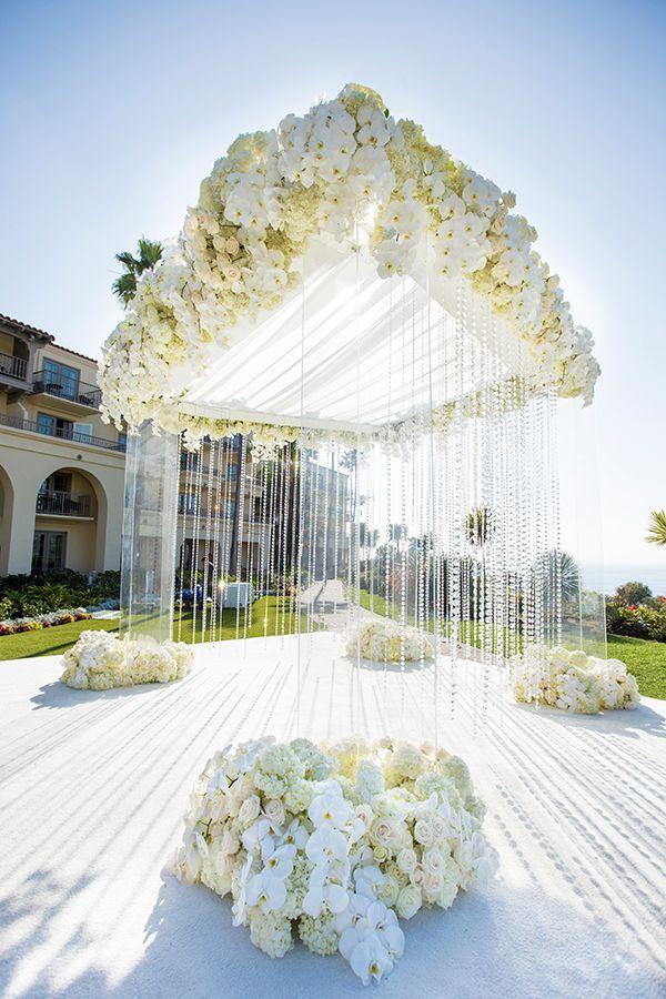 Luxury Southern California All White Wedding #whiteweddingflowers
