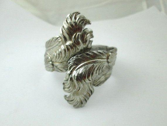 leafy whimsical SILVER tone hinged CLAMPER by vintagejewels4u
