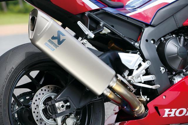 ホンダ「CBR1000RR-R FIREBLADE/SP」の最先端メカニズムを徹底解説! (2/2) - webオートバイ