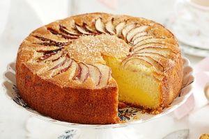 Apple and vanilla tea cake