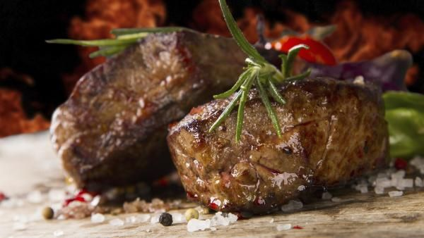 Beef tenderloin is one of those roasts that is delicious as is or with a sauce of your choosing. Here's how to cook a beef tenderloin recipe.