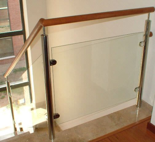 Glass balusters for railings glass railing with panels for Escaleras yuste