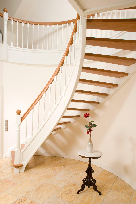 Voss Treppen bogentreppe direkt beim treppenhersteller kaufen treppenbau voß