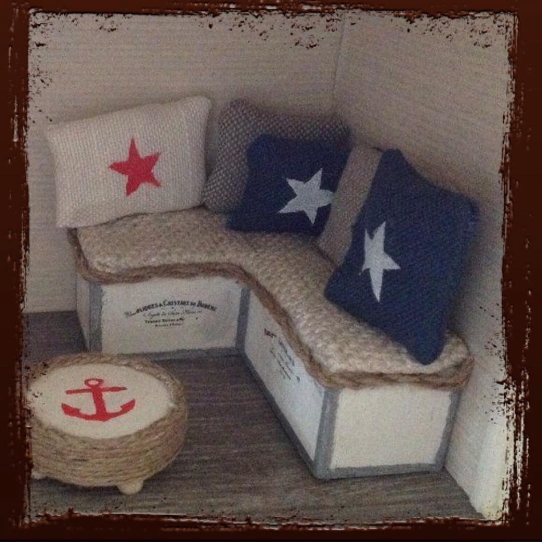 #dollhouse #dockskåp #dockhus #sofa #soffa #marin#miniatyr #miniature #handgjort #handmade #furniture #möbler #lundby #lundbydockskåp by miniaturesinarow