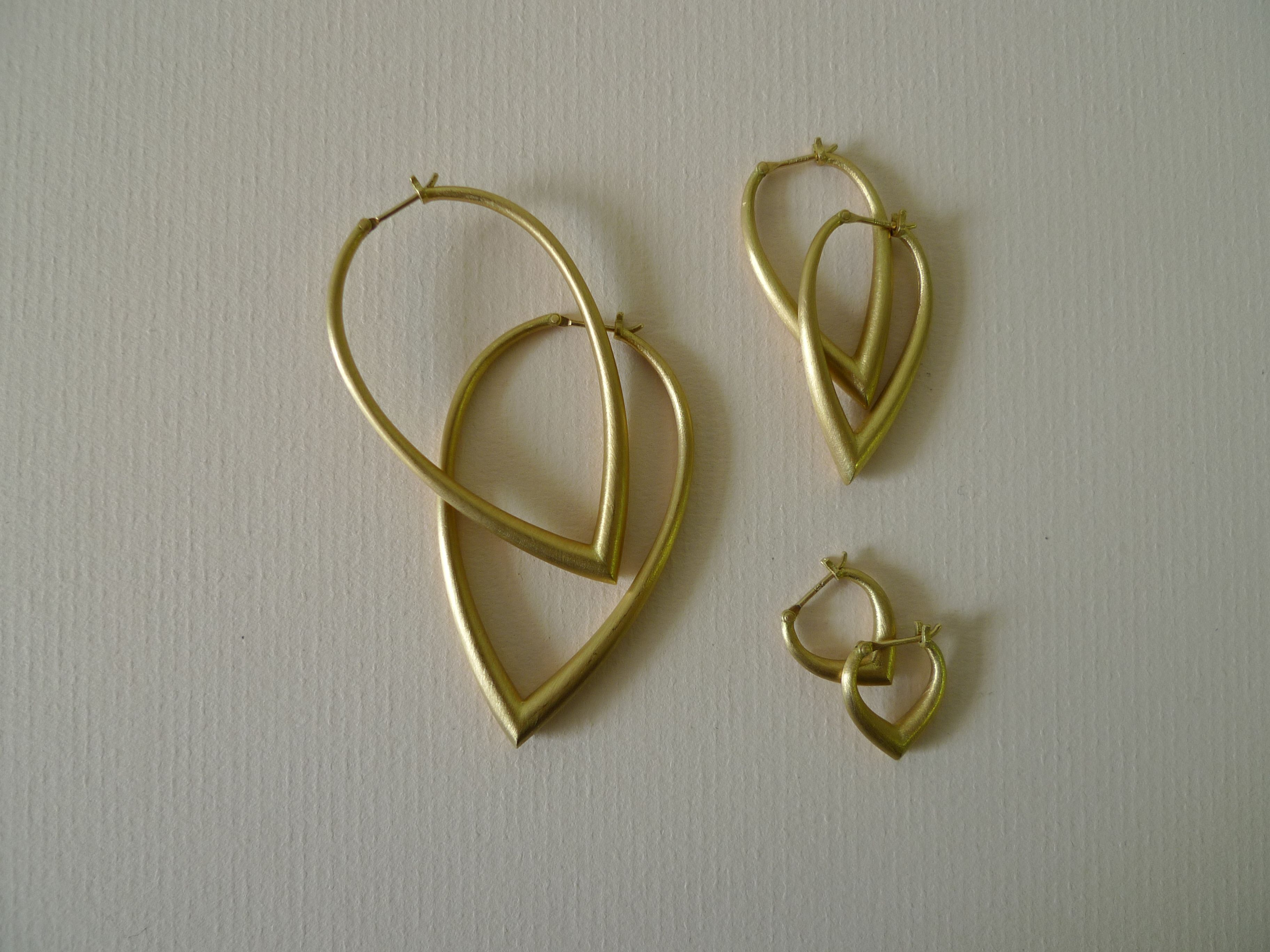 New Mallary Marks Jewelry Indonesian Hoop Earrings Lovely new Hoops