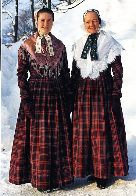 FolkCostume&Embroidery: Overview of Norwegian Costumes, part 2. The eastern heartland. Hadeland