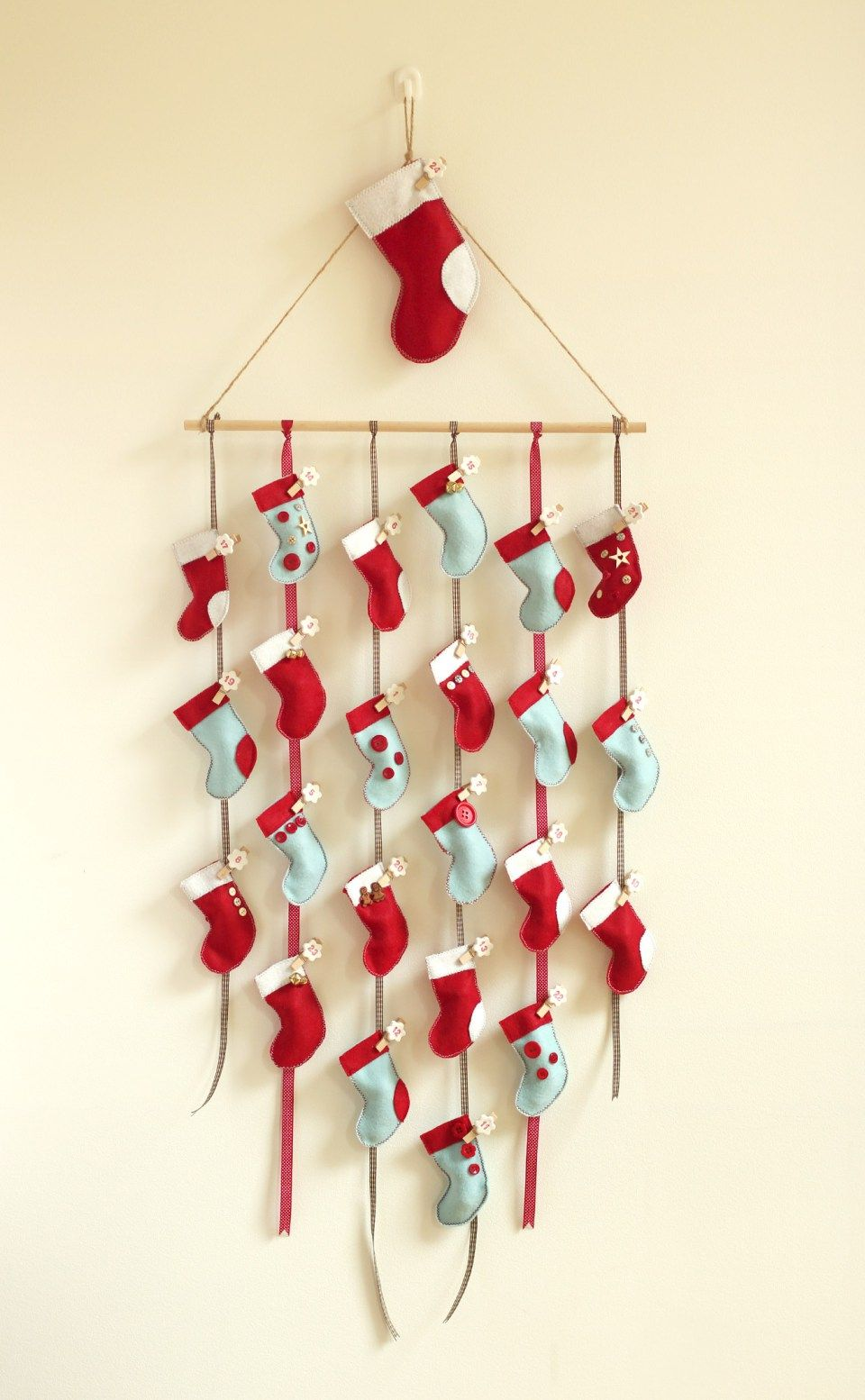 Homemade diy advent calendar tutorial has a template for - Pinterest advent ...