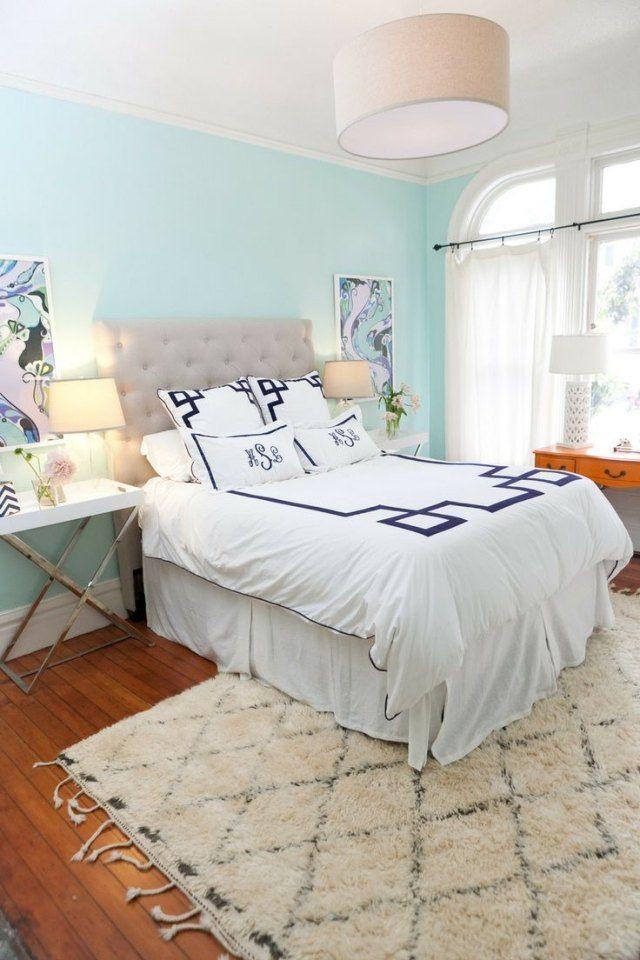 schlafzimmer wand in himmelblau gestalten einrichtungsideen f r holzboden wohnung pinterest. Black Bedroom Furniture Sets. Home Design Ideas