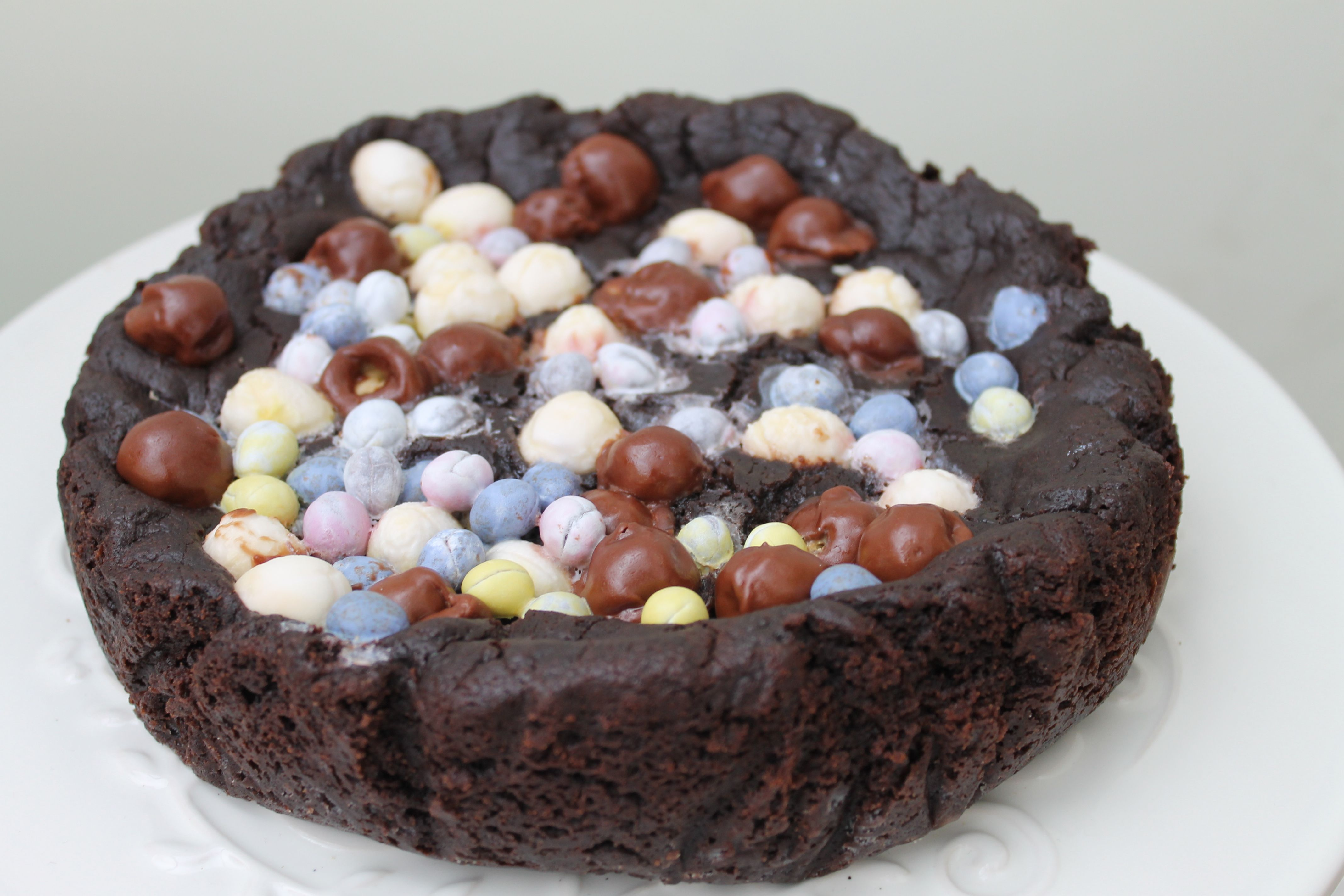 have you tried a cookie cake before a huge thick cookie baked in
