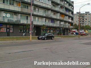 Rozšafné blokovanie chodníka