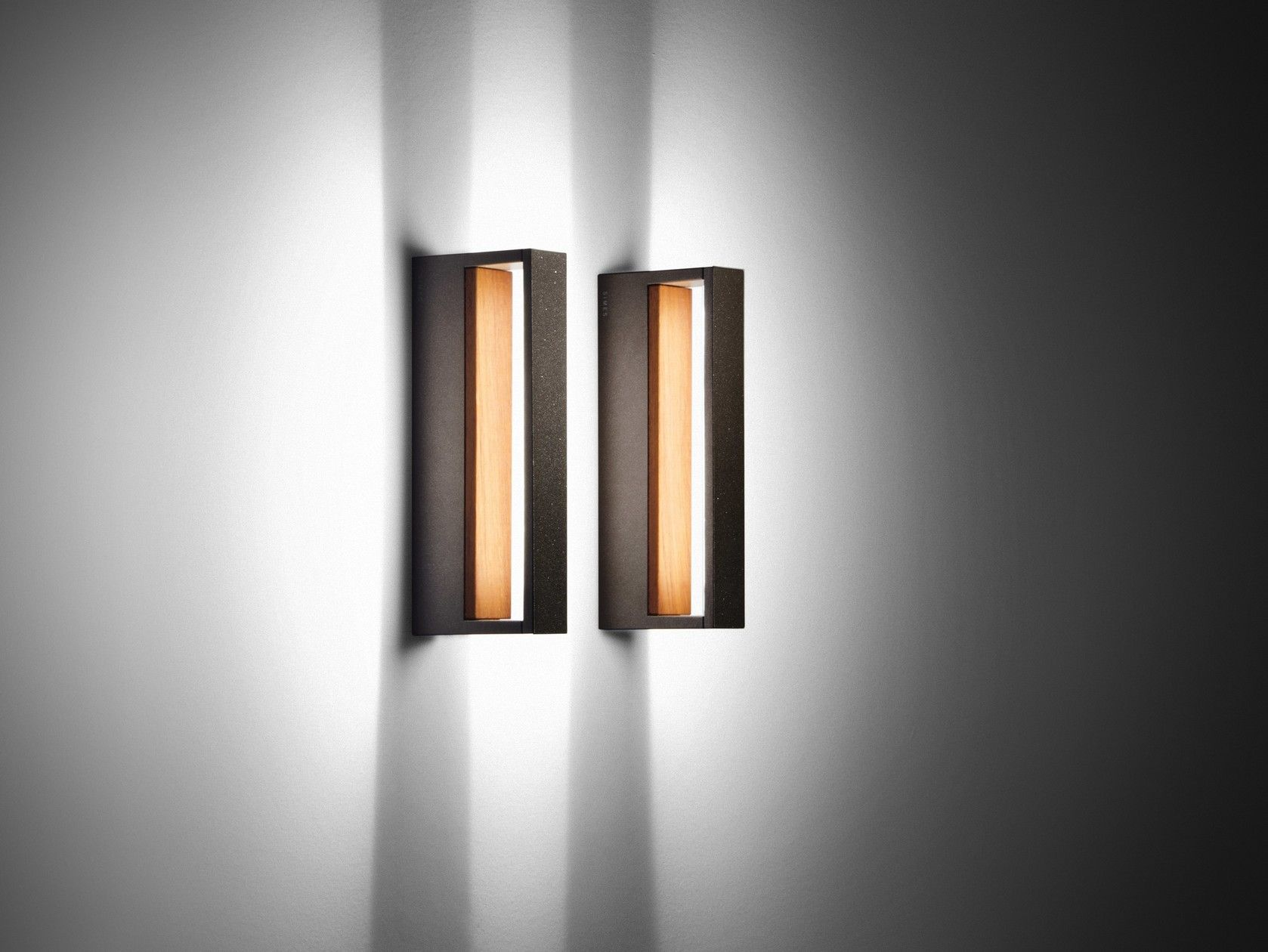 Cool wood by simes applique per esterno a led a luce indiretta in