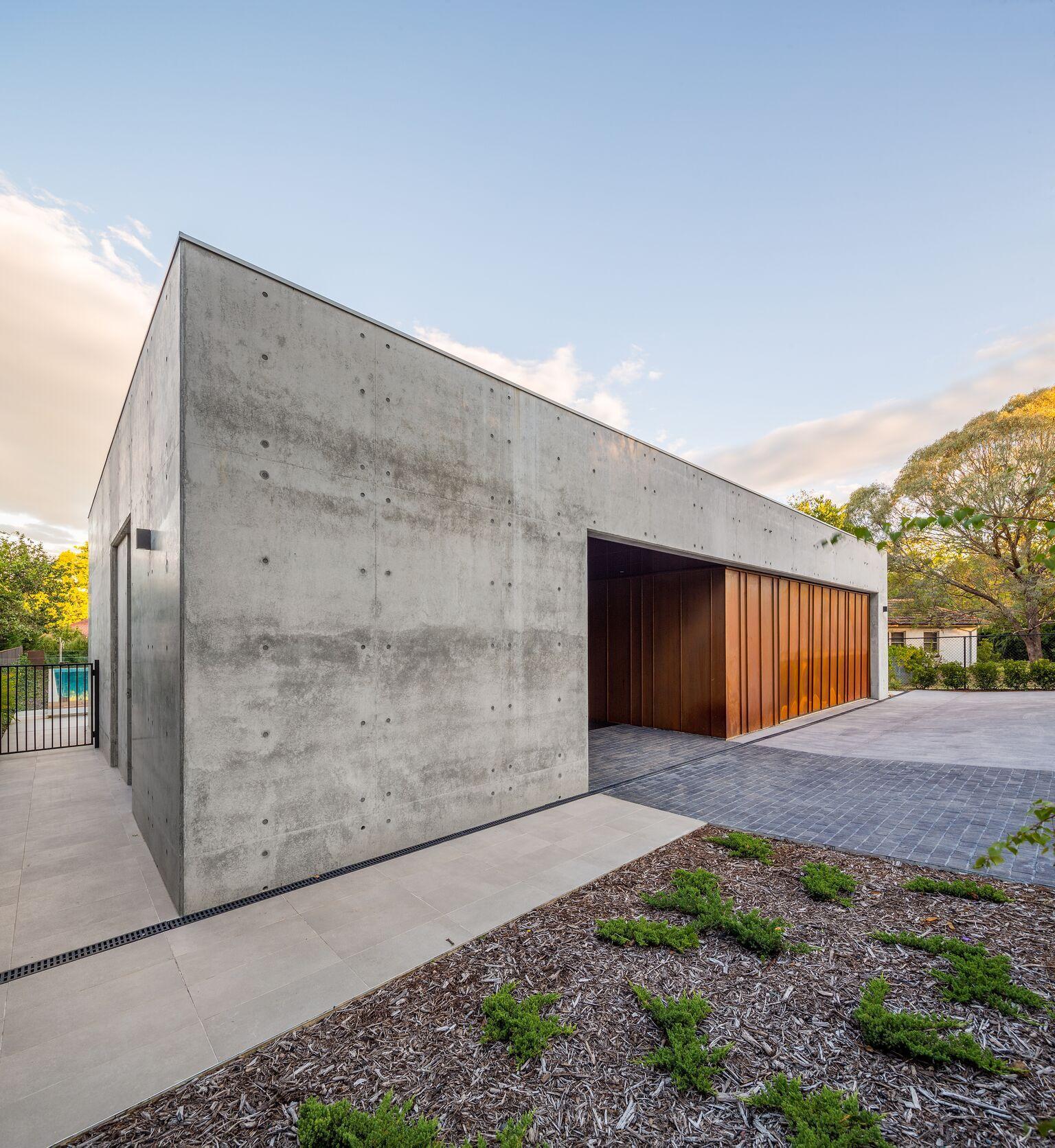 Garage Design Architecture: Corten And Concrete