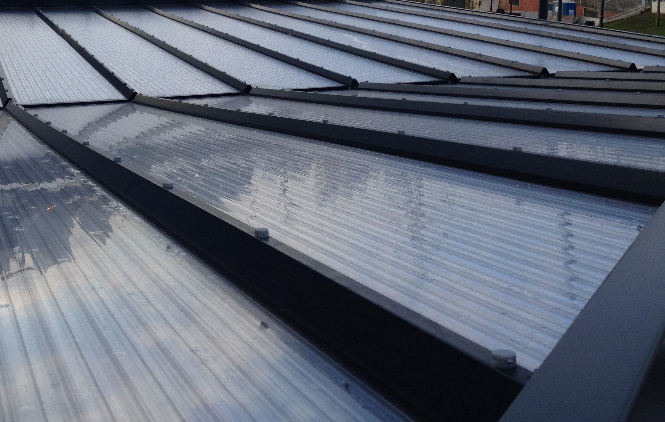 The P280 Structural Glazing Bar Has Been Used Here To Glaze 25mm Multiwall Polycarbonate Sheet On The Roof Of This Manchester Build In 2020 Ral Colours Structures Roof