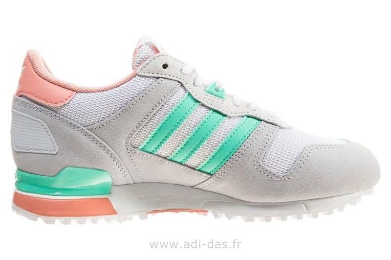 Adidas Originals ZX 700 Femme Chaussure de running - Zalm vert de mer gris  clair 1eeb8430a3fe