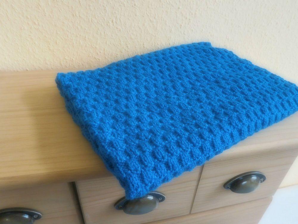 babydecke kinderwagendecke kuscheldecke handgestrickt in blau knitting kinderwagen decke. Black Bedroom Furniture Sets. Home Design Ideas