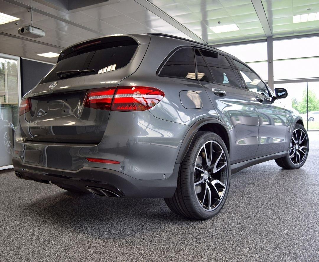 """Mercedes-Benz Kundencenter (@mbkundencenter) on Instagram: """"Wer kann diesem SUV schon widerstehen?  [Mercedes-AMG GLC 43 4MATIC I Kraftstoffverbrauch…"""""""