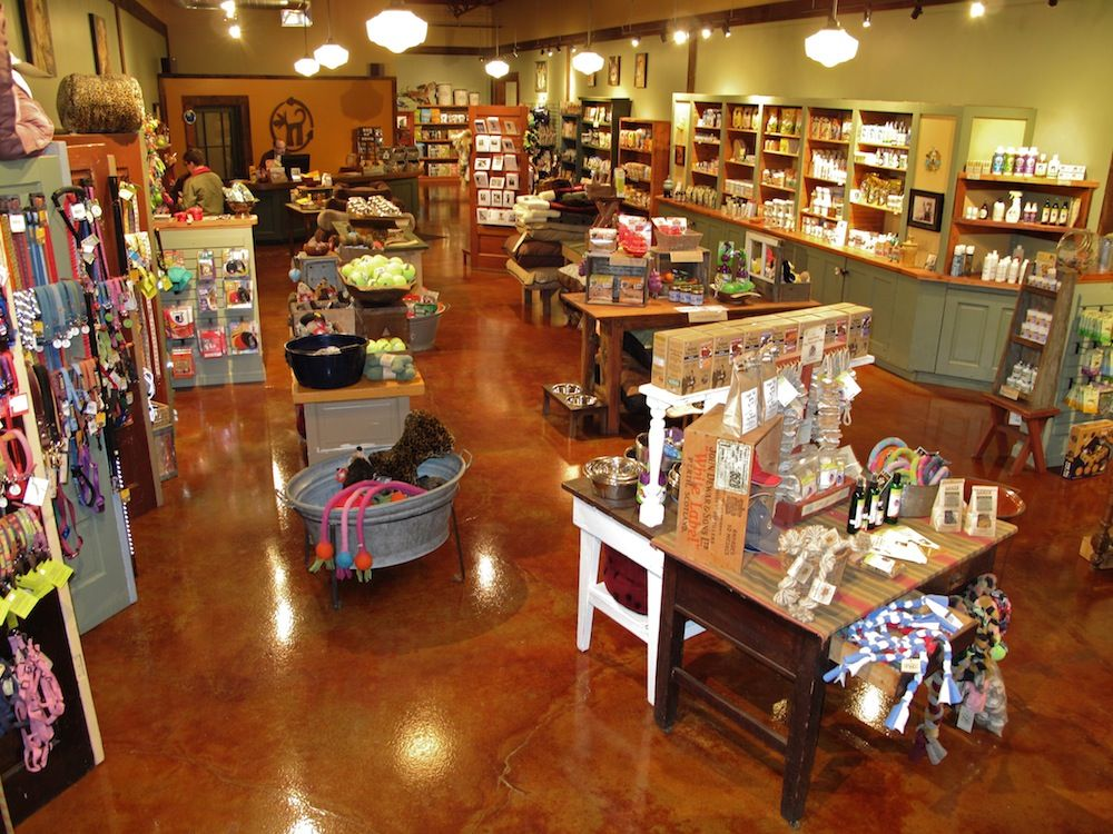 Green Dog Pet Supply offers environmentally friendly pet