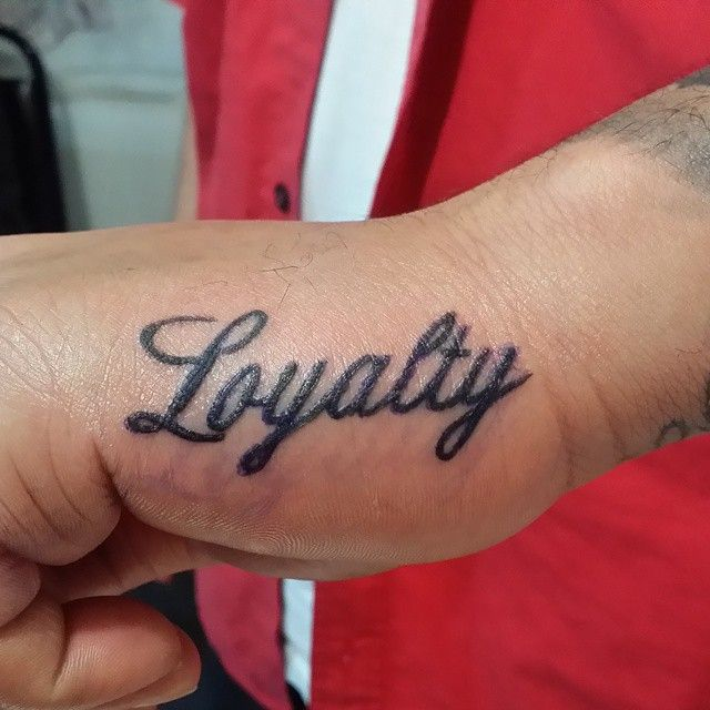 20 Faithfull Loyalty Tattoo Designs For Those Who Care Loyalty Tattoo Tattoo Designs Wrist Tattoos Words