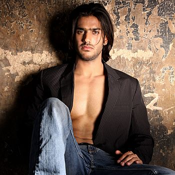 Ali Ejaz Biography