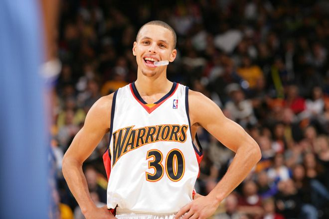 8c0ebef4e0e WARDELL STEPHEN CURRY II is an American professional basketball player who  plays for the Golden State Warriors of the National Basketball Association.