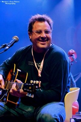 The Time Jumpers - Vince Gill - 2013 http://country4you.com/en/exclusive-interview-time-jumpers/