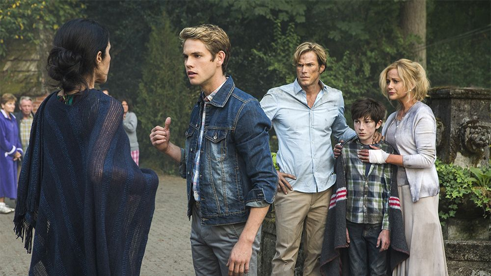 Tv Review Lifetime S If There Be Thorns Seeds Of Yesterday Di 2020